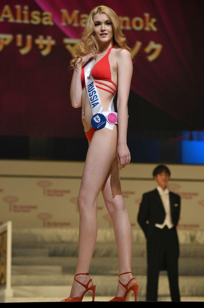 Miss Rosja Alisa Manienok podczas prób finału konkursu piękności Miss International Beauty Pageant  w Tokio