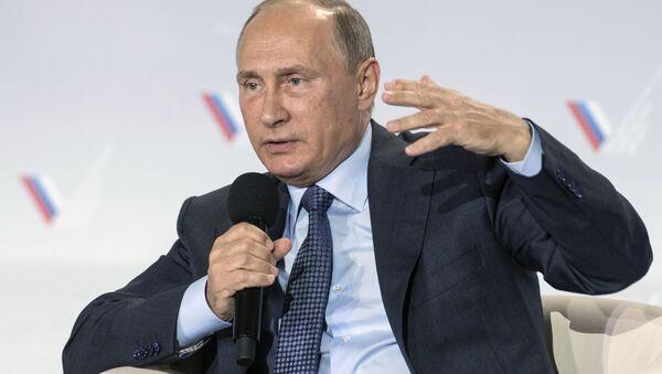 Prezydent Rosji na forum Rosyjskiego Frontu Narodowego na Krymie - Sputnik Polska