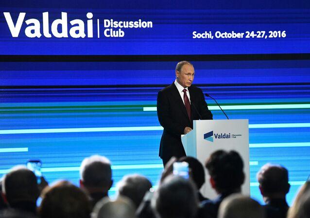 Prezydent Rosji Władimir Putin na posiedzeniu Klubu Wałdajskiego