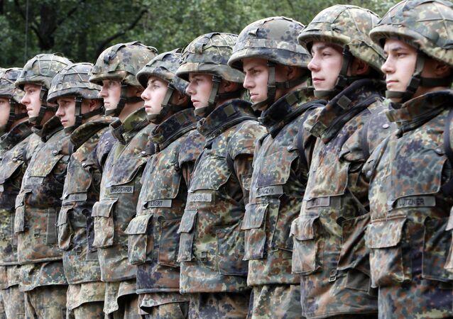 Niemiecki polityk: Bundeswehra nie me nic do roboty na granicy z Rosją