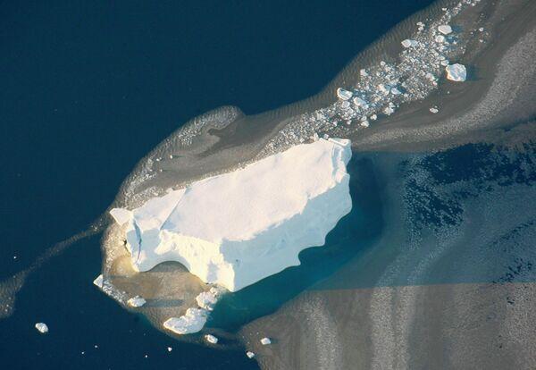 W Antarktyce skupionych jest około 90% zapasów wody pitnej planety. Jeśli cały antarktyczny lód stopiłby się, to poziom oceanów podniósłby się o ponad 60 metrów. - Sputnik Polska