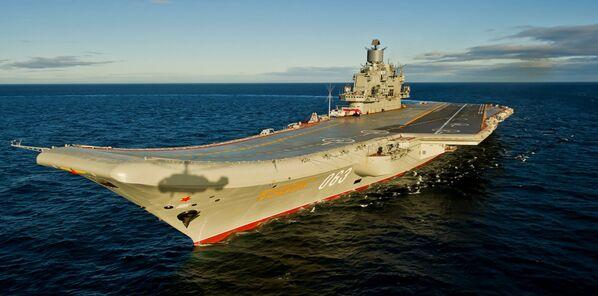 Lotniskowiec Admirał Kuzniecow - Sputnik Polska