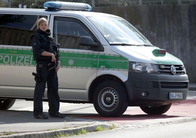 Federalna Policja Kryminalna Niemiec poinformowała, że w pierwszym półroczu 2016 roku uchodźcy z krajów afrykańskich i Bliskiego Wschodu dokonali ponad 142 tys. przestępstw, czyli średnio 780 czynów przestępczych dziennie.