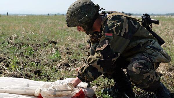 Wspólne szkolenie desantowców Rosji, Białorusi i Serbii - Sputnik Polska