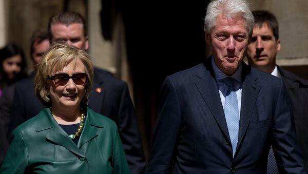 Bill i Hillary Clintonowie - Sputnik Polska