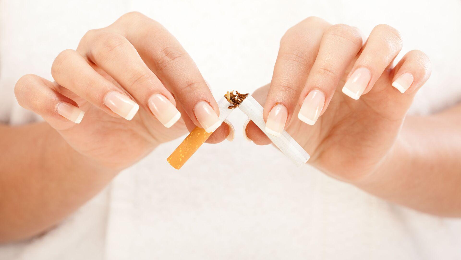 Palenie zabija nosicieli wirusa HIV szybciej niż sam wirus - Sputnik Polska, 1920, 05.04.2021