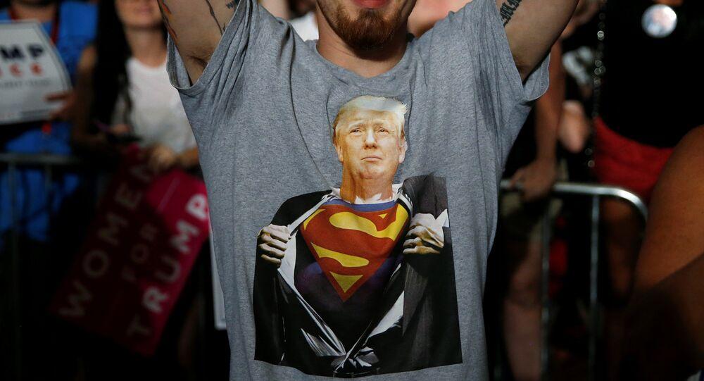 Assange: nie pozwolą Trumpowi wygrać wyborów