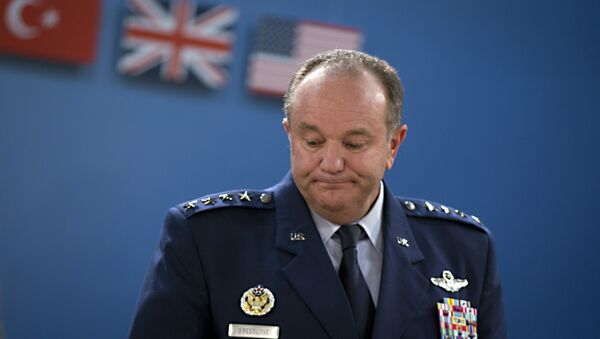 Były dowódca sił NATO w Europie gen. Philip Breedlove - Sputnik Polska