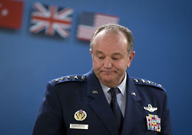 Były dowódca sił NATO w Europie gen. Philip Breedlove
