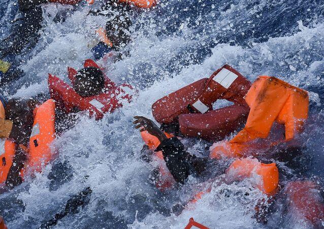 Ministerstwo spraw wewnętrznych Niemiec zaproponowało, aby uchodźcy ratowani na Morzu Śródziemnym byli od razu odsyłani do Afryki