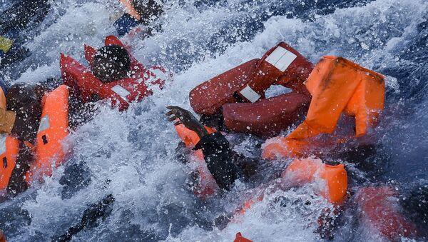 Ministerstwo spraw wewnętrznych Niemiec zaproponowało, aby uchodźcy ratowani na Morzu Śródziemnym byli od razu odsyłani do Afryki - Sputnik Polska