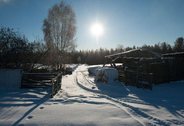 Śnieg we wsi Bieriozowka w obwodzie tomskim - Sputnik Polska