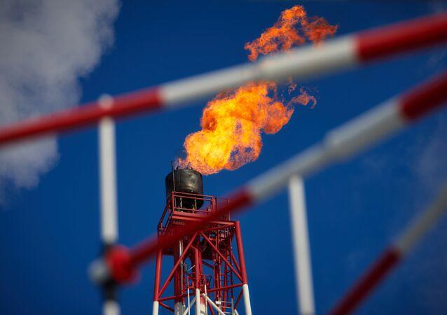 Strumień gazu. Platforma petrochemiczna Prirazłomnaja