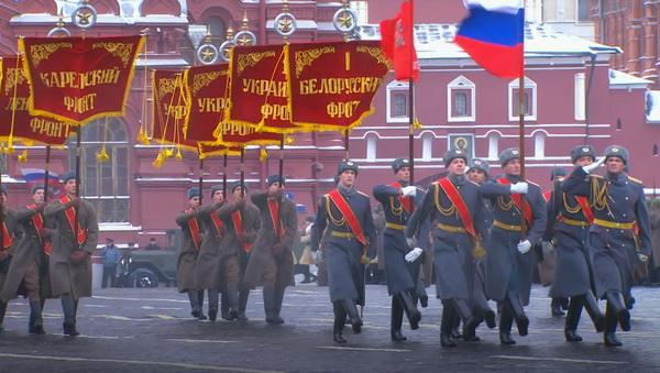 Dzisiaj na Placu Czerwonym... - Sputnik Polska