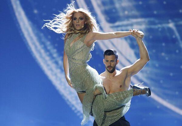 Piosenkarka Edurne (Hiszpania) występuje z piosenką Amanecer - Sputnik Polska