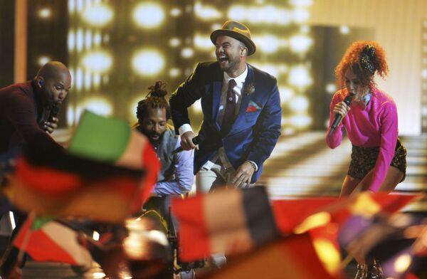 Australia po raz pirewszy bierze udział w Eurowizji - Guy Sebastian podczas wystąpienia, 23 maja 2015, Wiedeń - Sputnik Polska