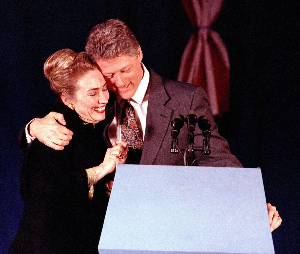 Kandydat na prezydenta USA Bill Clinton z żoną Hillary Clinton w 1992 roku