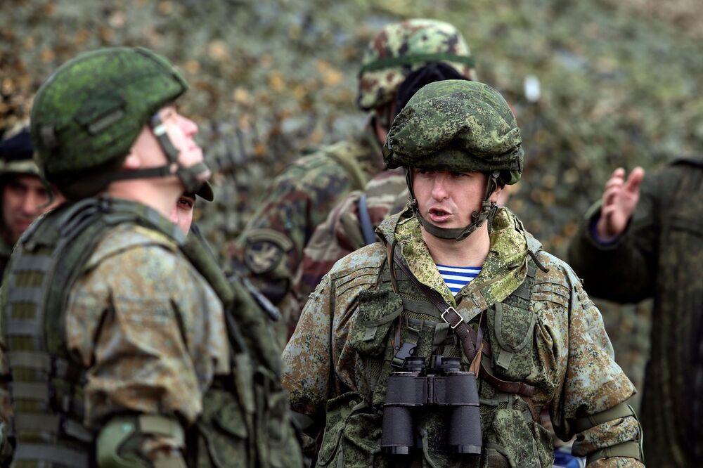 Łącznie w ćwiczeniachbierze udział około 500 żołnierzy sił specjalnych z trzech krajów, 10 samolotów i śmigłowców Sił Powietrzno-Kosmicznych Rosji i Sił Powietrznych Republiki Serbii, około 20 jednostek wojskowego sprzętu opancerzonego i specjalnego.