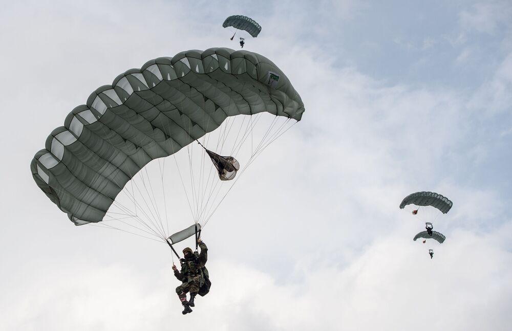 Białoruś reprezentuje pokojowa kompania z Witebskiej Jednostki Sił Operacji Specjalnych.