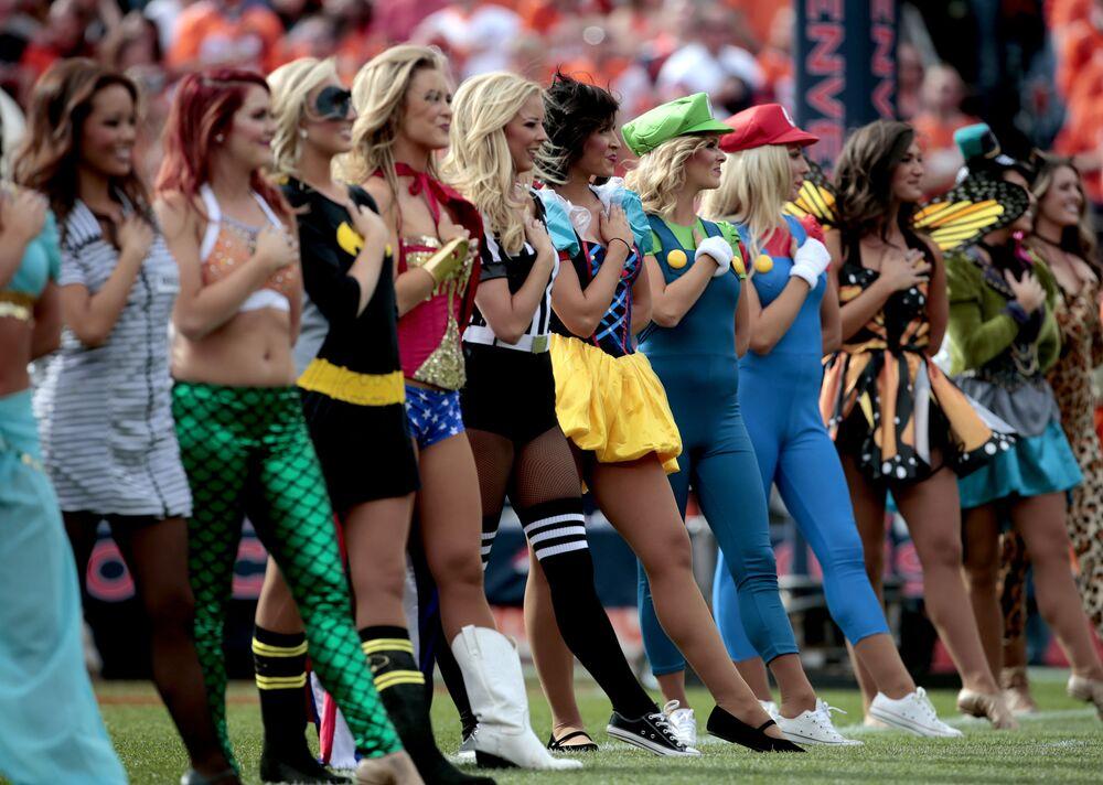 Cheerleaderki drużyny Denver Broncos w Denverze