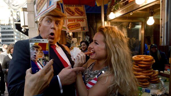 Sobowtór Donalda Trumpa podczas wyborów prezydenckich w USA 2016 - Sputnik Polska