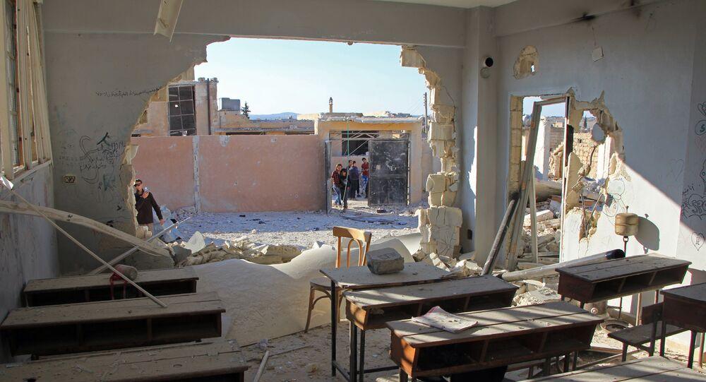 Zbombardowana szkoła w miejscowości Hass w prowincji Idlib, 26 października 2016