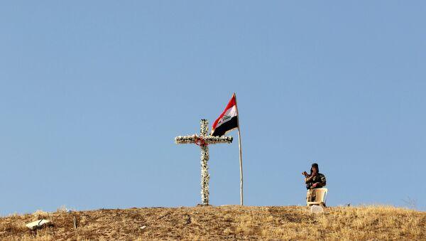 Żołnierz nieopodol kościoła w Mosulu. Irak - Sputnik Polska