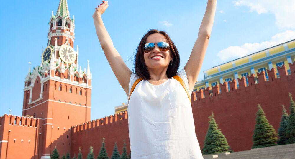 Dziewczyna na tle Kremla