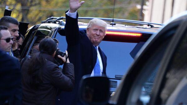 Republikański kandydat na prezydenta Donald Trump po głosowaniu w Nowym Jorku - Sputnik Polska