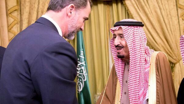 Król Hiszpanii Filip VI i król Arabii Saudyjskiej Salman ibn Abd al-Aziz Al Su'ud  w Rijadzie. Zdjęcie archiwalne - Sputnik Polska