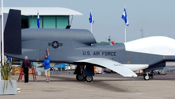 Strategiczny dron amerykańskich sił powietrznych RQ-4A Global Hawk - Sputnik Polska