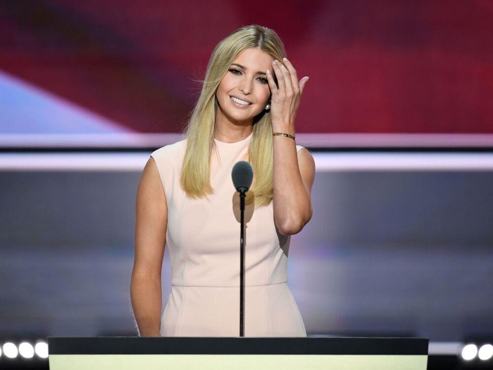 Ivanka Trump urodziła się 30 października 1981 roku w Nowym Jorku. Uczyła się w zamkniętej elitarnej szkole.