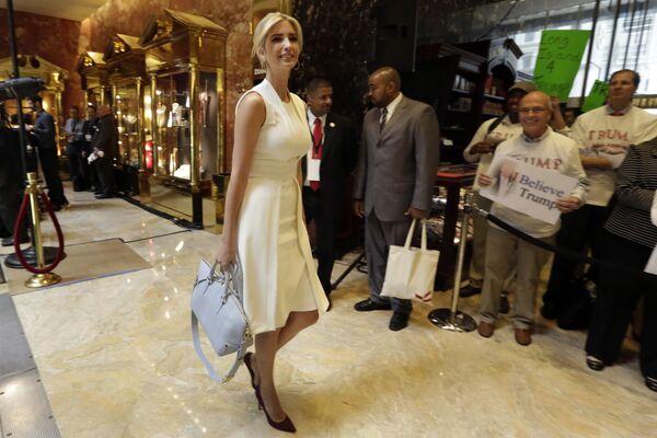 Po wypróbowaniu sił w modelingu Ivanka Trump postanowiła zdobyć poważniejszy zawód i dostała się na wydział ekonomiczny Uniwersytetu Pensylwanii. - Sputnik Polska