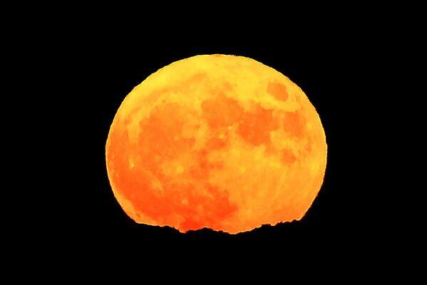 Superksiężyc we Francji - Sputnik Polska