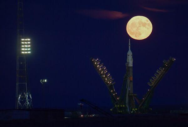 "Superksiężyc nad kosmodromem ""Bajkonur - Sputnik Polska"