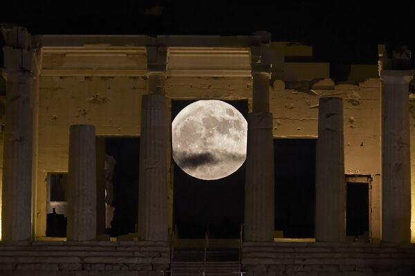 Superksiężyc w Grecji - Sputnik Polska