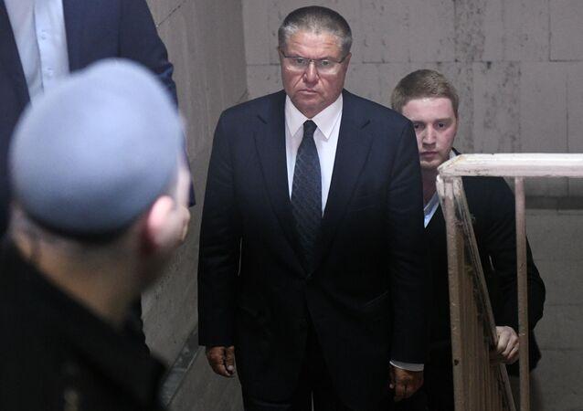 Alieksiej Uljukajew w sądzie w Moskwie