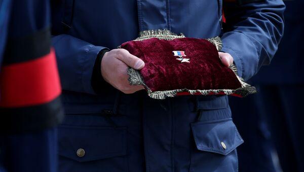 Ceremonia pożegnalna oficera sił specjalnych, bohatera Rosji Aleksandra Prochorenko, który zginął podczas wykonywania misji bojowej w Syrii - Sputnik Polska