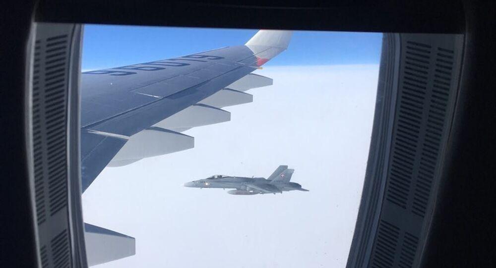 Szwajcarskie myśliwce przez kilka minut eskortowały samolot pasażerski rosyjskiej delegacji na szczyt APEC w Peru.