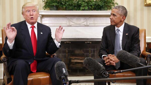 Barack Obama i Donald Trump w Białym Domu - Sputnik Polska