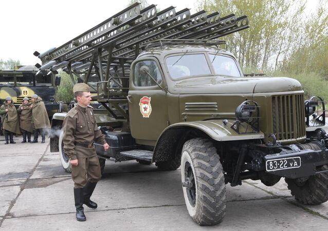 Radziecka wyrzutnia rakietowa BM-8 Katiusza