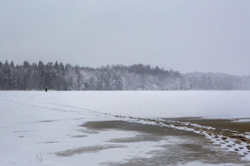 Jezioro w rejonie priażinskim Republiki Karelii