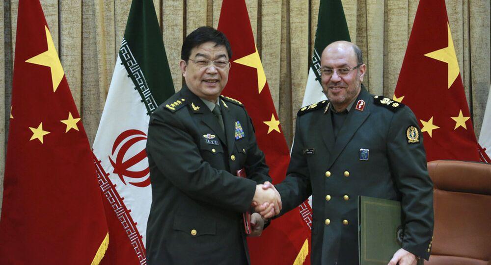 Minister obrony Iranu gen. Hossein Dehghan i chiński minister obrony Chang Wanquan, Teheran, 14 listopada 2016