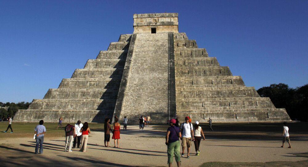Piramida Kukulkana w Chichen Itza, Meksyk
