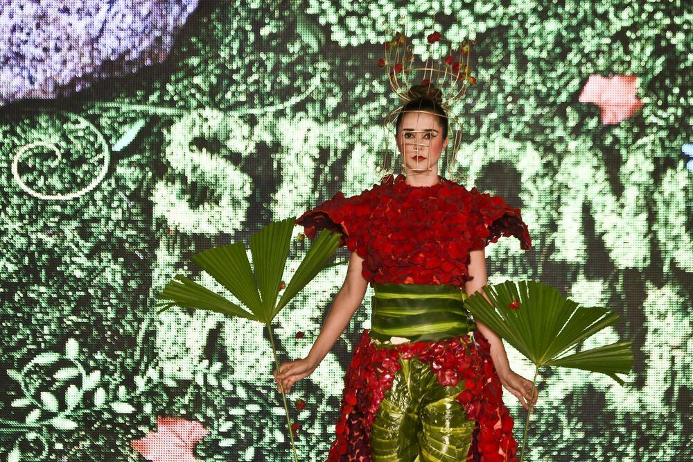 """Pokaz """"ekologicznej"""" kolekcji na  """"Biofashion Show"""" w Cali, Kolumbia."""