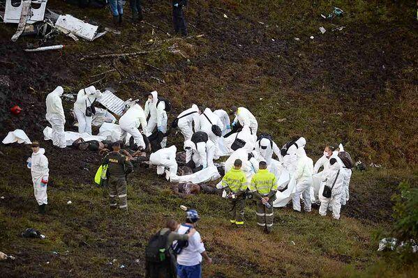 W katastrofie samolotu zginęło co najmniej 76 osób. - Sputnik Polska