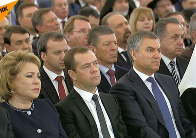 Dmitrij Miedwiediew podczas orędzia Władimira Putina