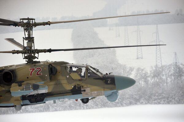 Loty testowe śmigłowca Ka-52 Aligator po przekazaniu  personelowi Pułku Śmigłowców Południowo-wschodniego okręgu w Krasnodarskim kraju - Sputnik Polska