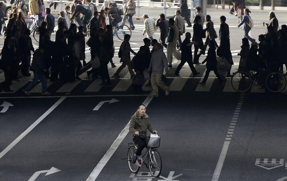 Rowerzysta w centrum Tokio
