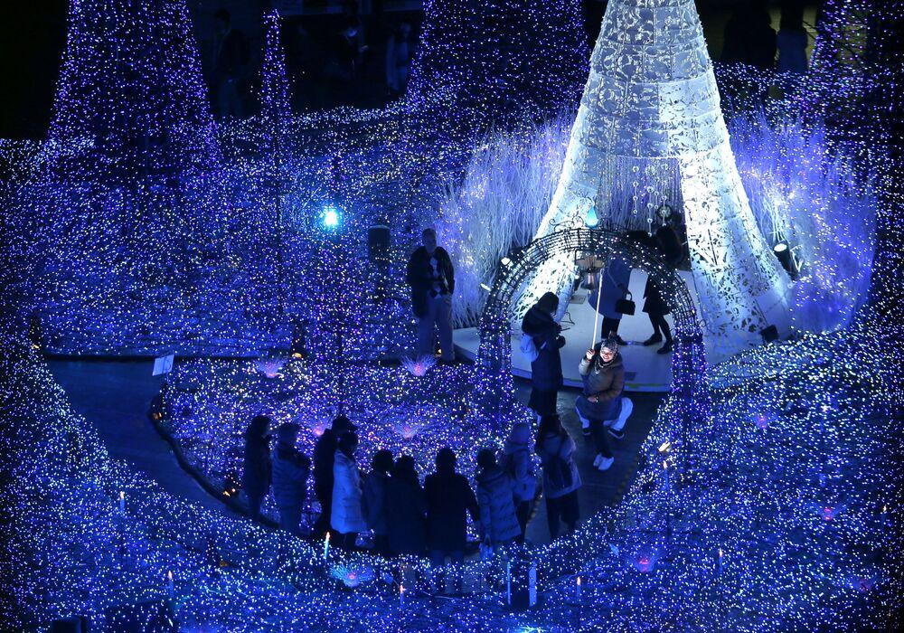 Świąteczna iluminacja w odrodzie Canyon d'Azur w Tokio